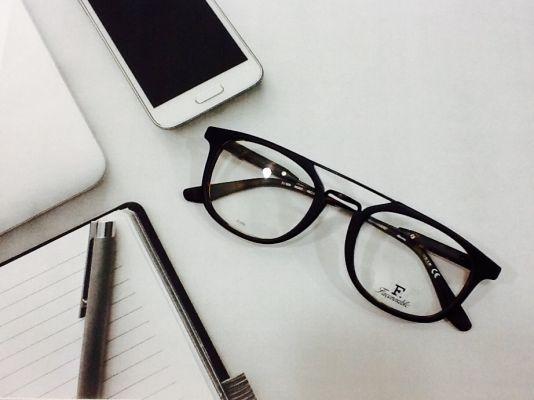 les magasins et opticiens lunettes de vue et lunettes de soleil marseille ml marseille. Black Bedroom Furniture Sets. Home Design Ideas